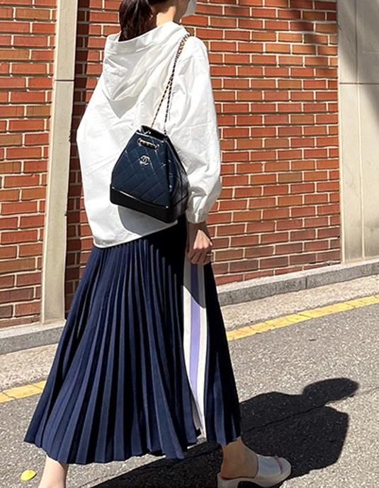 Lettering pleated skirt