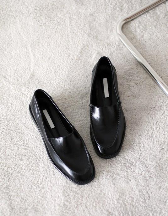 Plain Loafer