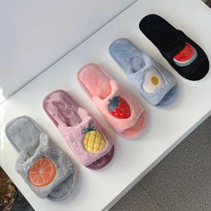 韓国で大人気家でも可愛く暖かくふわふわファースリッパ Fruit Slipper