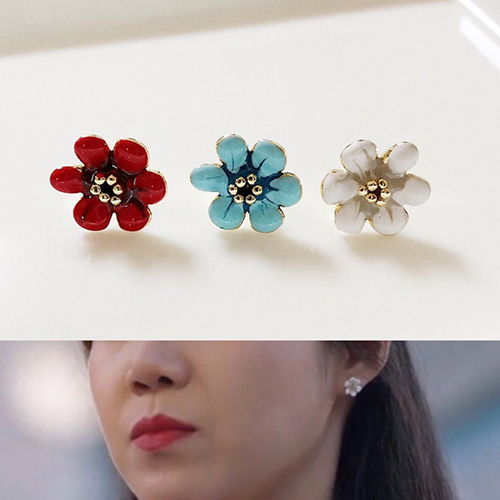 When the camellia blooms/Gong Hyojin/コンヒョジン st.  フラワーピアス (3color)