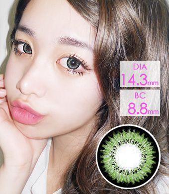 【1年カラコン】Audrey Green (AB200) /1215</BR>DIA:14.3mm, 度あり‐10.00まで